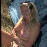 Blond jung und nackt